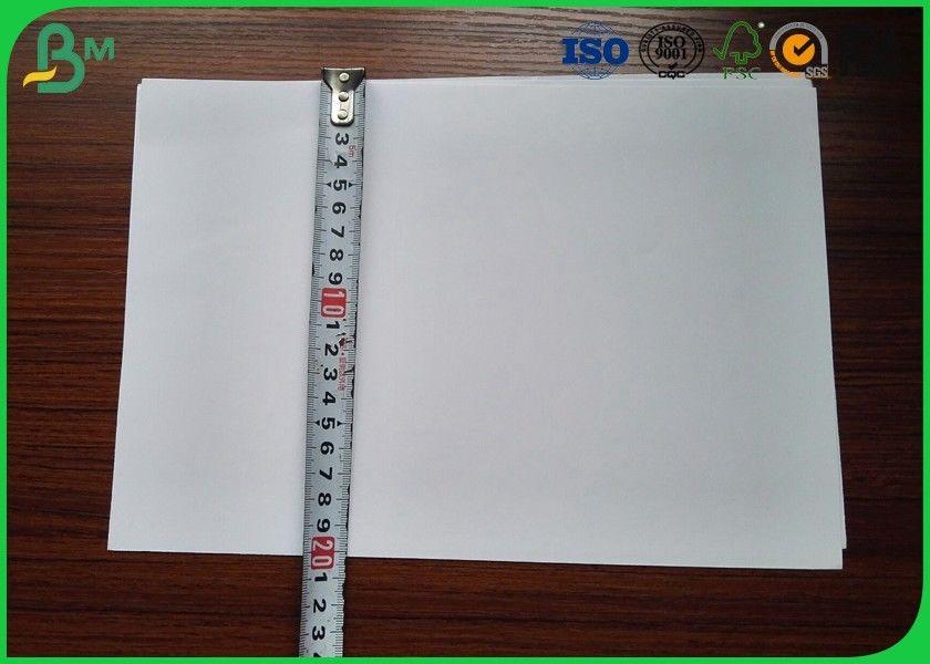 Papier Kredowy O Gramaturze 200g M2 Jednostronnie Gładki Do